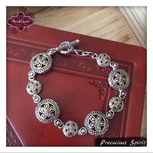 Jewelry - Two-tone Cable charm toggle clasp link bracelet